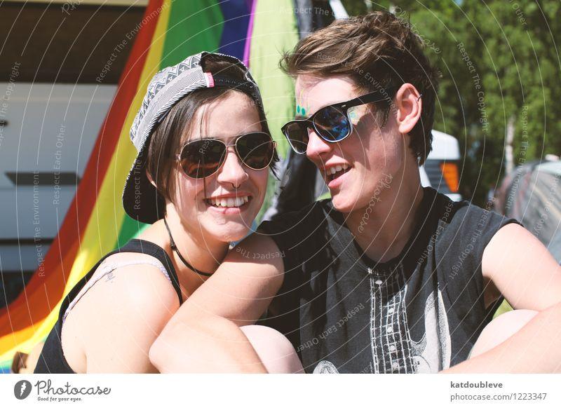 i m gonna marry her anyway Gesicht feminin androgyn Homosexualität genießen Lächeln lachen Liebe Blick Coolness Fröhlichkeit Zusammensein Glück Zufriedenheit