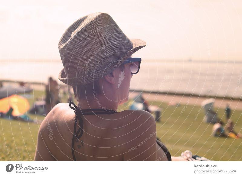 You Are The Ocean Wellness Ferien & Urlaub & Reisen Ausflug Ferne Sommer Strand Meer androgyn Homosexualität beobachten Erholung genießen Liebe sitzen frei