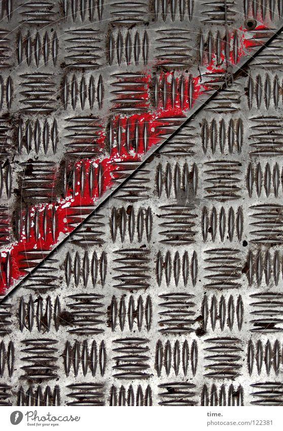 BauStellenProfil (IV) schön rot Luft Metall Arbeit & Erwerbstätigkeit dreckig leer Sicherheit Baustelle Industrie Spuren diagonal Handwerk Fuge Eisen Furche