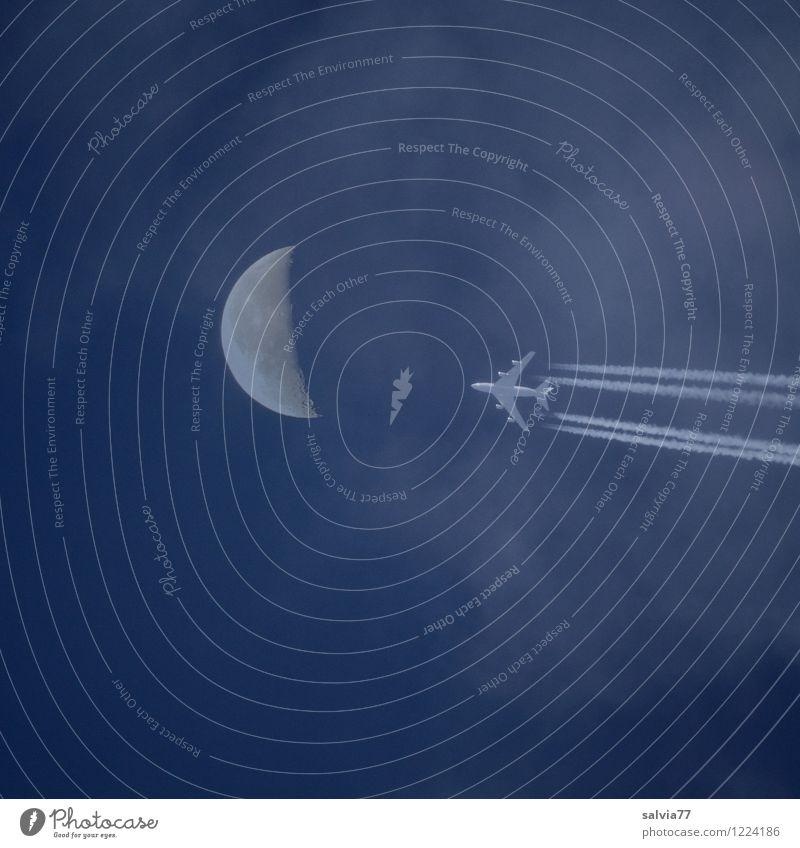 Mondflug Ferien & Urlaub & Reisen Tourismus Ausflug Ferne Freiheit Sightseeing Luftverkehr Raumfahrt Flugzeug fliegen frei Unendlichkeit blau Fernweh Höhenangst