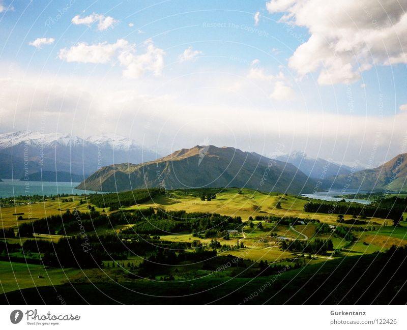 Naturgemälde Neuseeland grün Gras See Baum Wald Gipfel Horizont Wolken Farbkasten Gemälde Berge u. Gebirge schön Bruchstück Landschaft Niveau Tal Schnee Himmel