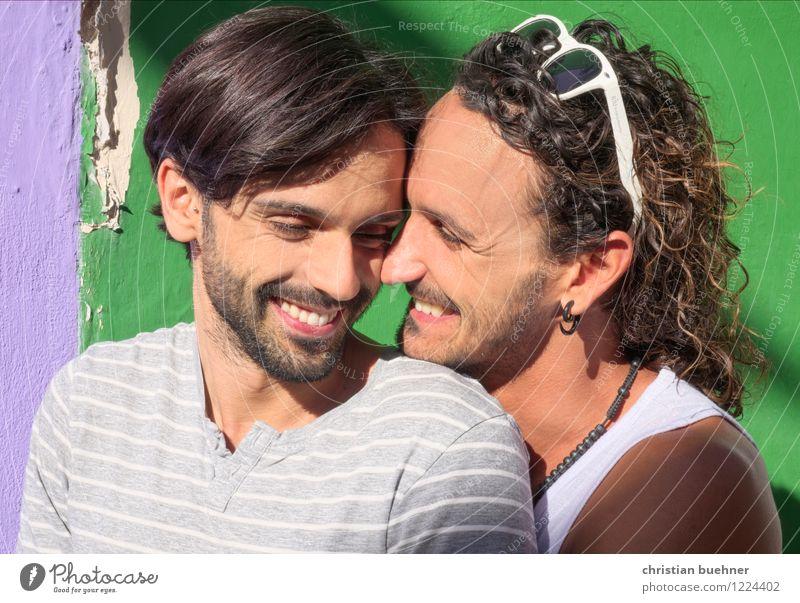 zusammen sein Mensch Jugendliche Erotik Junger Mann 18-30 Jahre Erwachsene Liebe Glück lachen außergewöhnlich Paar Zusammensein Lächeln Sex Romantik Coolness