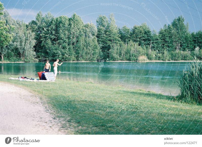 see Himmel Natur Jugendliche blau Wasser grün Baum Ferien & Urlaub & Reisen Sommer Wald Erholung Wiese Wege & Pfade Gras See Deutschland