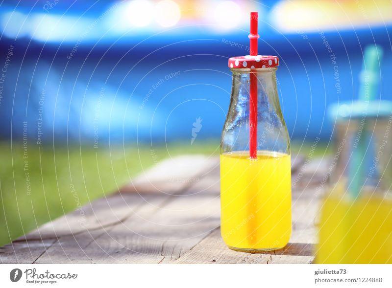Sommer mit Orangen-Limonade Getränk trinken Erfrischungsgetränk Flasche Trinkhalm Glasflasche Lifestyle Freude Erholung Freizeit & Hobby Sommerurlaub Garten