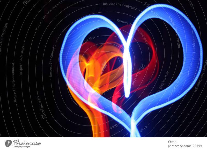 Herz aus Licht blau rot Liebe schwarz gelb Lampe dunkel Licht Eis hell orange Herz Brand 3 Sehnsucht Wiederholung