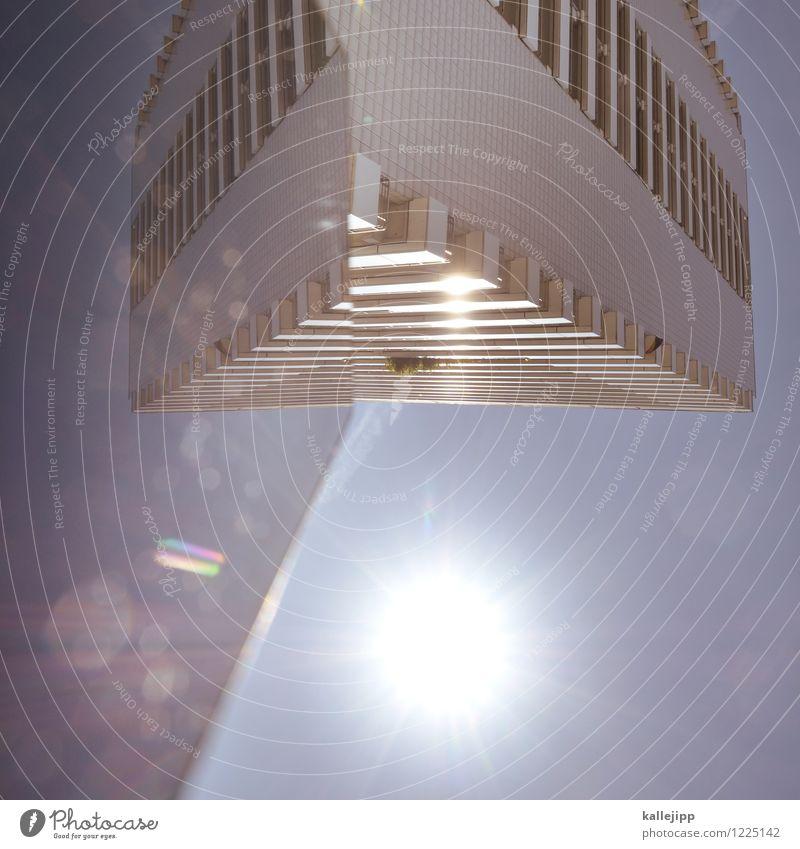 dreiklang dimensionen Stadt Hochhaus Mauer Wand Fassade Balkon Zukunft Raumfahrzeuge Dreieck Farbfoto Außenaufnahme Licht Schatten Kontrast