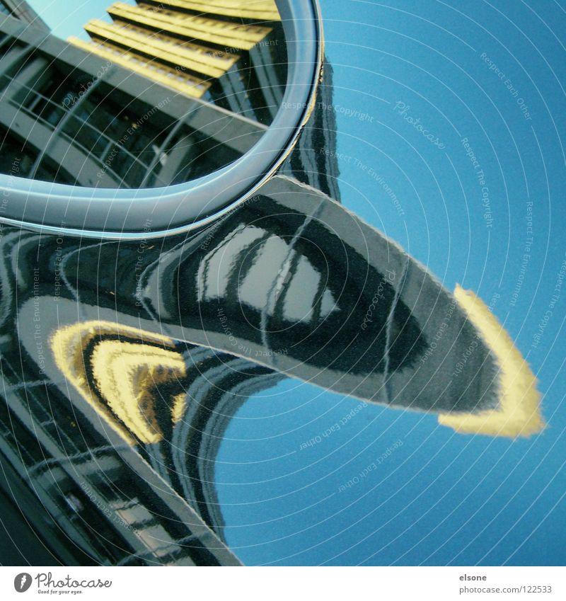 ::45 12 745 4:: Himmel Stadt blau Farbe Wolken Haus Fenster Leben Architektur Gebäude Kunst Freiheit fliegen oben Arbeit & Erwerbstätigkeit Wohnung