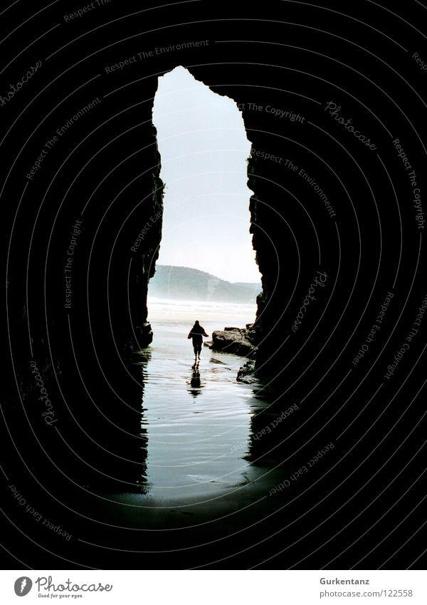 Raus aus Moria Neuseeland Südinsel Höhle Meer Strand Reflexion & Spiegelung Küste Berge u. Gebirge Wasser cave cavern Kathedrale cathedral cave Schatten