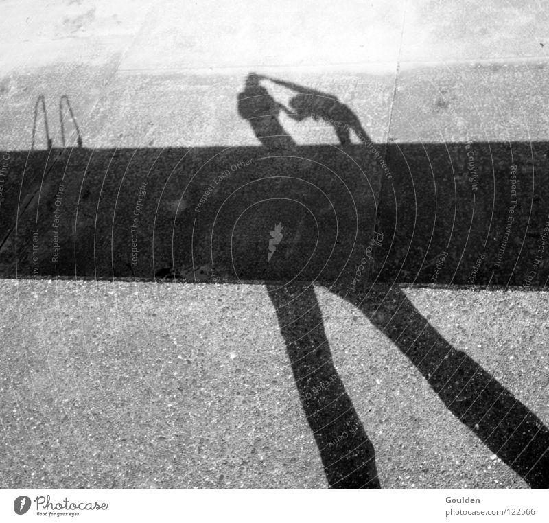 Vergeltung des Buckligen Mensch Mann weiß Ferien & Urlaub & Reisen Sonne Freude schwarz sprechen Wand Spielen grau träumen Freundschaft Angst Bodenbelag gut