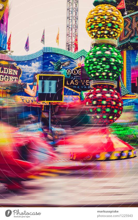 fahrgeschäft vergnügungsattraktion Ferien & Urlaub & Reisen Bewegung Spielen lachen fliegen Lifestyle Freizeit & Hobby Kindheit Geschwindigkeit Lebensfreude