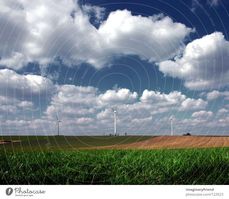 windräder Feld Gras Landwirtschaft Windkraftanlage Wissenschaften Elektrizität Kraft Wolken Himmel Frühling Sommer Aussaat Elektrisches Gerät