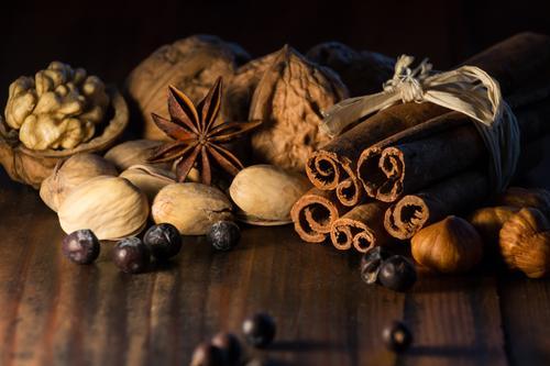 Weihnachtsgewürze Weihnachten & Advent braun genießen Kochen & Garen & Backen Kräuter & Gewürze lecker Duft exotisch Beeren Stillleben Vorfreude Geborgenheit