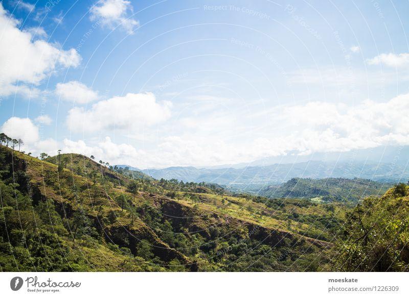 Honduras Landschaft Himmel Wolken Sommer Schönes Wetter Wiese Feld Hügel blau grün Farbfoto Außenaufnahme Menschenleer Textfreiraum oben Tag