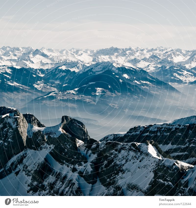 Holleridudödeldi Nebel steil Steigung Berghang Bergsteigen Berg Säntis Kanton Appenzell Aussicht Winter Panorama (Aussicht) Schweiz Bergkette Ferne Bergkamm