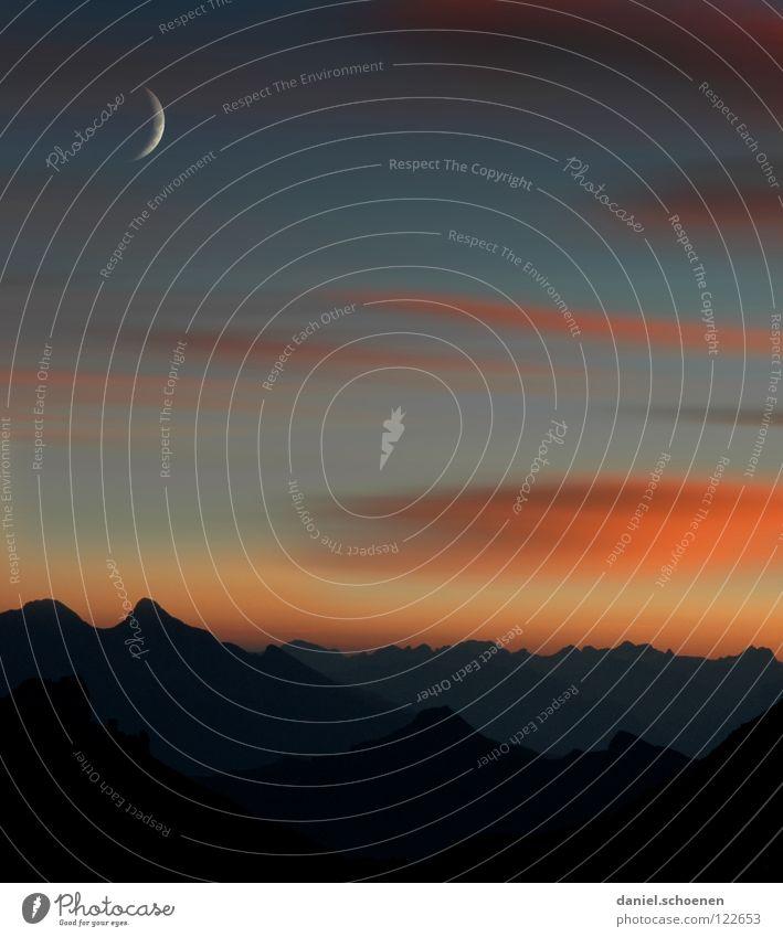 morgens 4:30 vor der Hütte Sonnenuntergang Cirrus Klimawandel Schweiz Berner Oberland wandern Bergsteigen Freizeit & Hobby Ausdauer weiß Wolken Hochgebirge