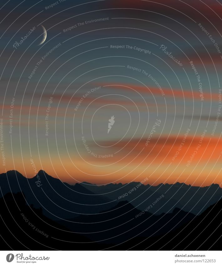 morgens 4:30 vor der Hütte weiß blau Wolken gelb Farbe kalt Berge u. Gebirge Luft wandern Nebel Hintergrundbild Wetter Freizeit & Hobby Klima Schweiz Sauberkeit
