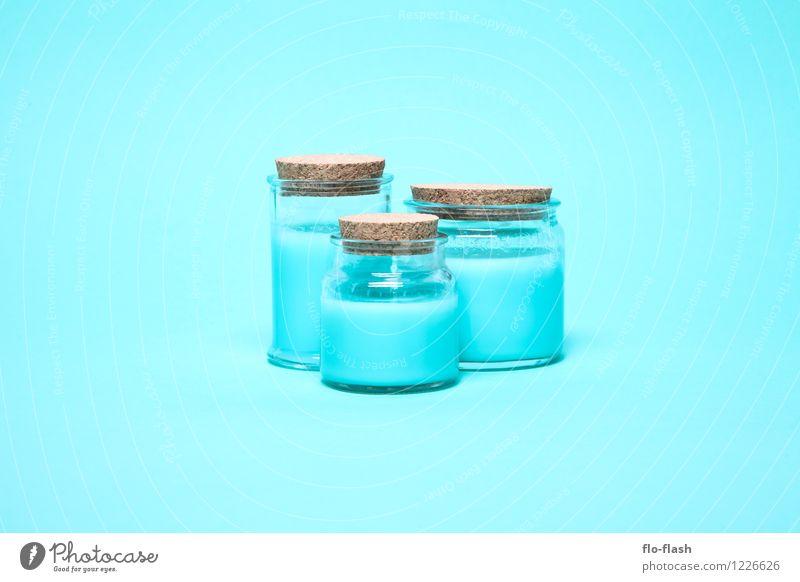 BLAU BLAU BLAU Joghurt Dessert Süßwaren Öl Glas Stil Design schön Körperpflege Kosmetik Creme Chemie Industrie Ekel Flüssigkeit trendy Kitsch lecker sauer süß