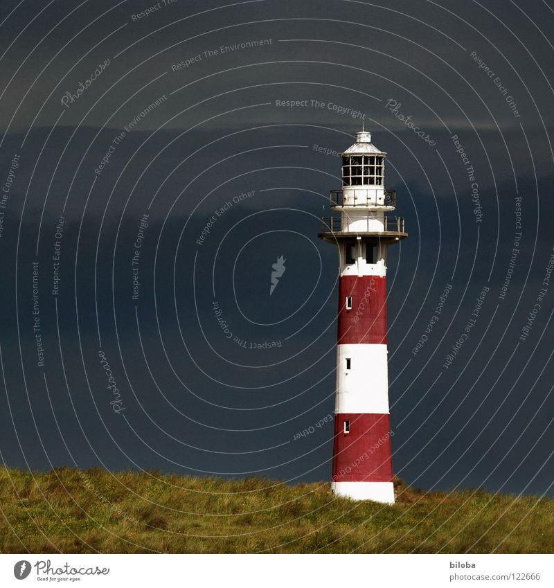 Leuchtturm III Meer grün Strand dunkel Herbst Traurigkeit Wege & Pfade Wasserfahrzeug Küste Architektur gehen Nebel Horizont Trauer Richtung Strahlung