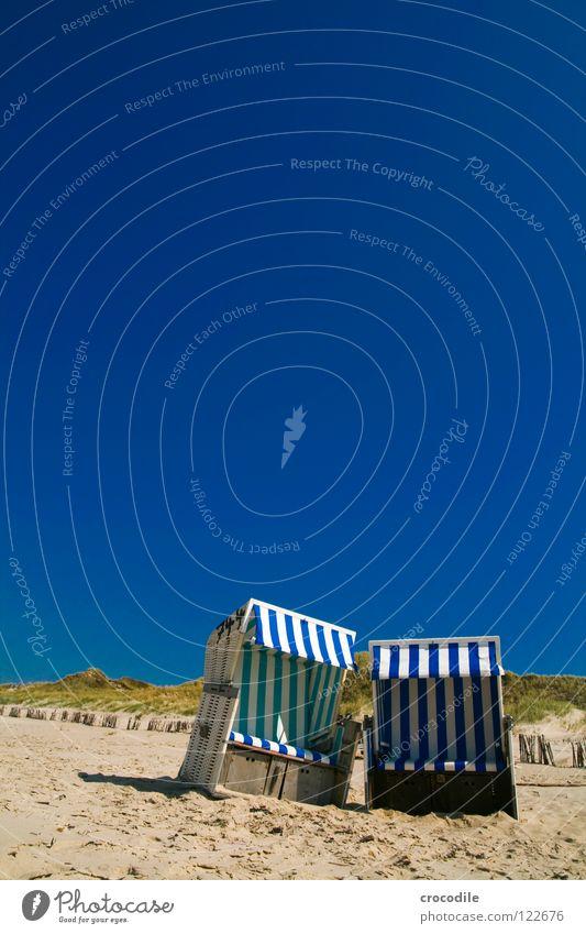 strandkorb duo Himmel weiß Meer grün blau Sommer Strand Ferien & Urlaub & Reisen Wolken Holz Wärme Sand Wachstum Physik Streifen heiß