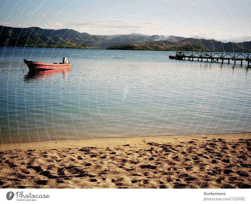 Fiji Fischer Strand ruhig Einsamkeit Sand Wasserfahrzeug Küste Frieden einfach Anlegestelle Schifffahrt Angeln Fischer Karibisches Meer Pazifik Fischerboot Fidschiinseln