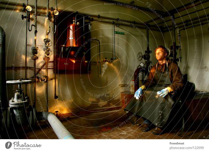 Rohrreiniger || Mensch Mann Einsamkeit Raum Metall lustig Deutschland klein verrückt Technik & Technologie Schutz Heizung Brandschutz Röhren Verfall DDR