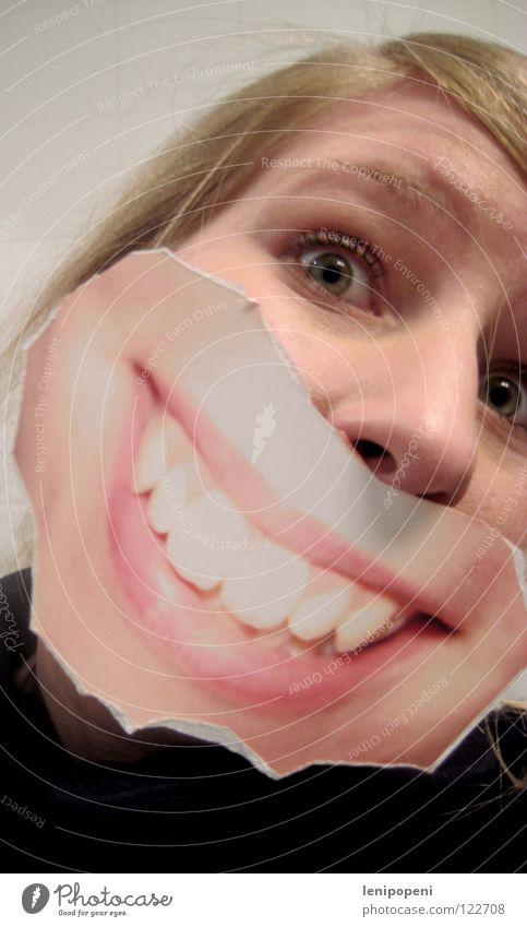 Onceagainpatchmouth Frau Freude schwarz Gefühle lachen Haare & Frisuren Mund hell Fotografie blond Lippen Bild verstecken grinsen bleich