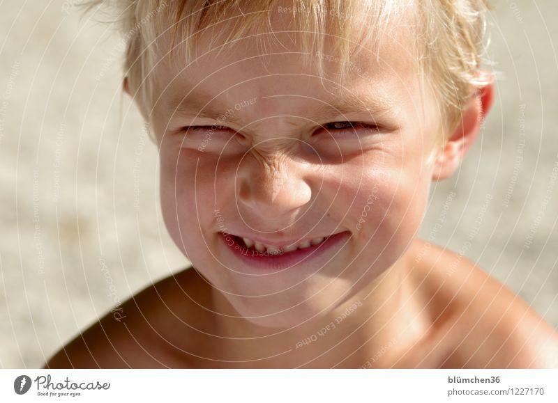 Kindheitserinnerung | einmal noch Kind sein... Mensch Sommer Freude Gesicht Auge Junge Spielen Glück lachen Schwimmen & Baden Kopf maskulin authentisch blond