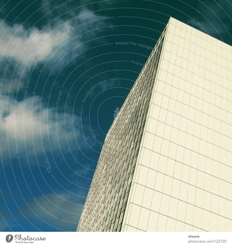 ::MONSTERLEGO-WEISS:: Haus groß Stadt Hochhaus Himmel Quadrat Gebäude Stahl Beton Spiegel Fenster Eisen kalt weiß graphisch einfach Karlsruhe eckig Ecke grau