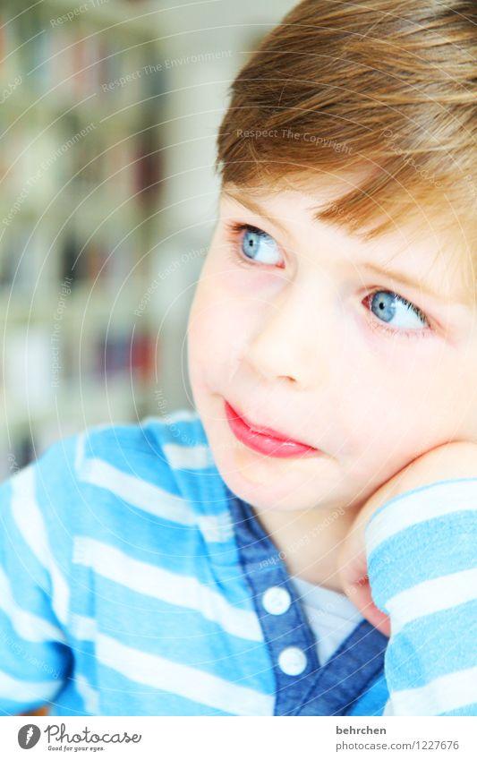 was der tag bringt... Kind Junge Familie & Verwandtschaft Kindheit Haut Kopf Haare & Frisuren Gesicht Auge Nase Mund Lippen Hand 3-8 Jahre beobachten Denken