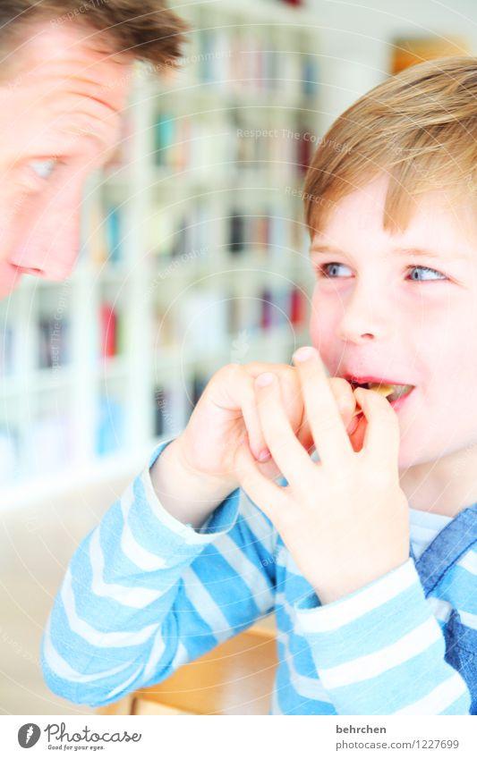 quatschköppe Junge Mann Erwachsene Vater Familie & Verwandtschaft Kindheit Haut Kopf Haare & Frisuren Gesicht Auge Nase Mund Lippen Hand Finger 3-8 Jahre lachen
