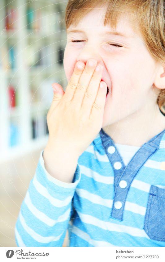 laaaaangweilig;) Junge Familie & Verwandtschaft Kindheit Körper Haut Kopf Haare & Frisuren Gesicht Auge Ohr Nase Mund Lippen Hand Finger 1 Mensch 3-8 Jahre
