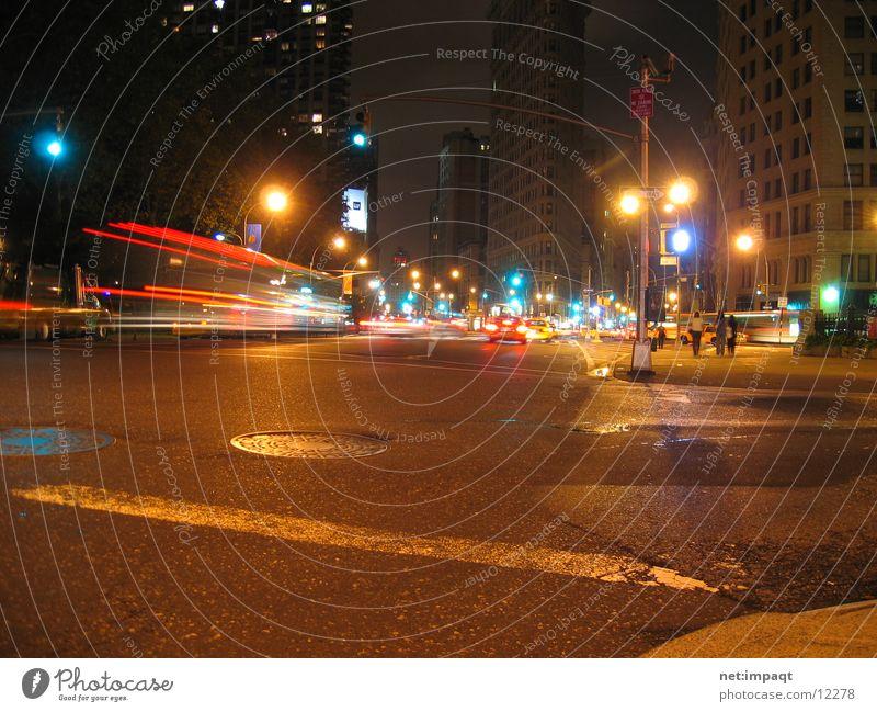 Flatiron @ night New York City Nacht Lampe Licht Ampel Belichtung Manhattan Nordamerika Flatiron Building Straße Bewegung PKW