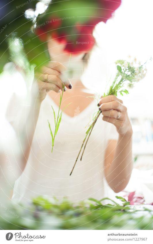 Blumenstrauß binden mit Gartenblumen Lifestyle Stil Freizeit & Hobby Handarbeit Valentinstag Muttertag Arbeit & Erwerbstätigkeit Beruf Handwerker Gärtner