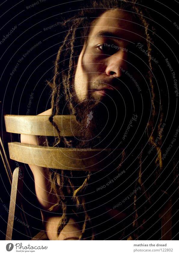 Nr. 18 Mensch Mann schwarz ruhig Gesicht dunkel Spielen Gefühle Holz Kopf Haare & Frisuren klein Denken hell lustig Zufriedenheit