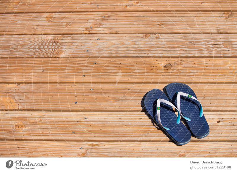 Flipflopzeit Ferien & Urlaub & Reisen blau Sommer weiß Sonne Erholung Meer Ferne Strand gelb Frühling Küste Schwimmen & Baden Schuhe Ausflug Schönes Wetter