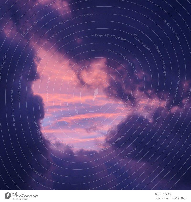 Eingang zum Himmel? blau rot Wolken Ferne grau orange nah Frieden Tor obskur Loch Abenddämmerung gerissen Öffnung