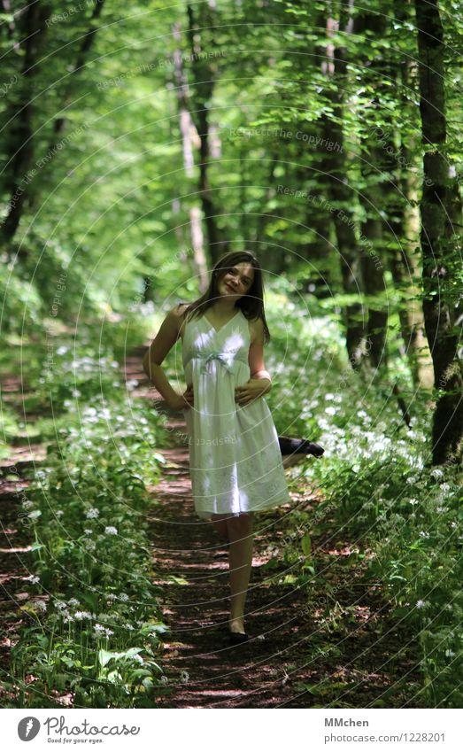 Sometimes I feel like... Stil feminin Mädchen Kindheit Jugendliche Leben 1 Mensch 8-13 Jahre Natur Sommer Park Wald Mode Kleid langhaarig Lächeln Spielen stehen