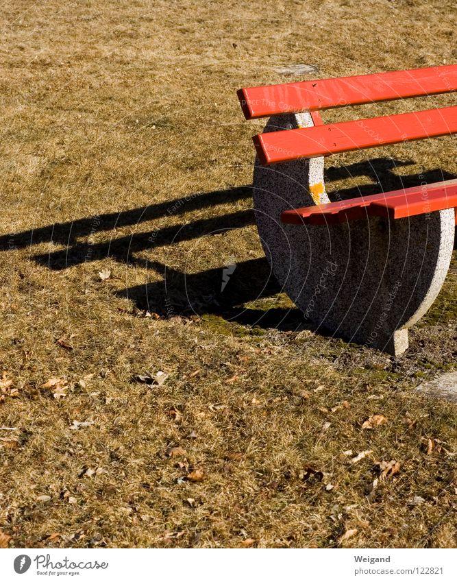 sitzen gelassen grün rot Ferien & Urlaub & Reisen Einsamkeit ruhig Zeit Freizeit & Hobby Pause Vergänglichkeit Bank Verkehrswege Langeweile vertrocknet