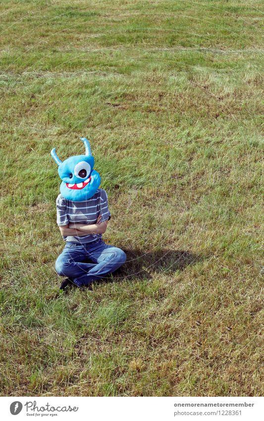 Sitzstreik Kunst Kunstwerk ästhetisch Außerirdischer Monster außerirdisch fremd Kostüm Maske verkleiden Karneval sitzen Streik warten Hoffnung Erwartung Wiese