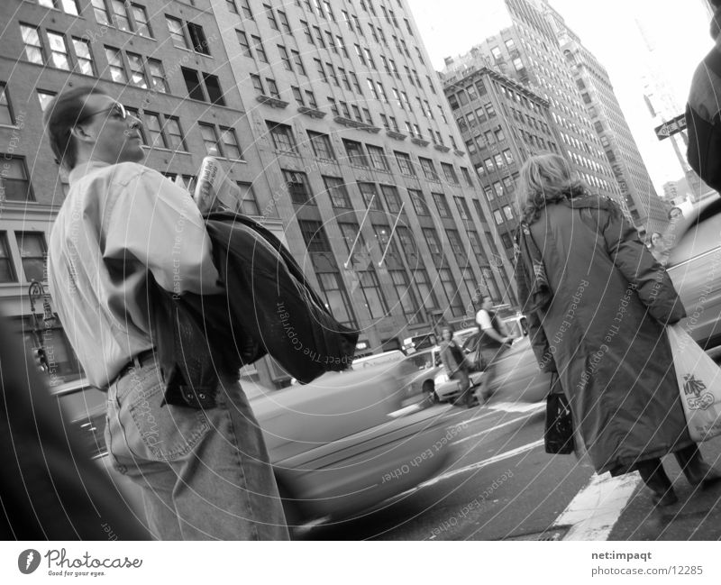 Streets of New York City Frau Mann Straße Bewegung Menschengruppe Verkehr Fußgänger Streetlife