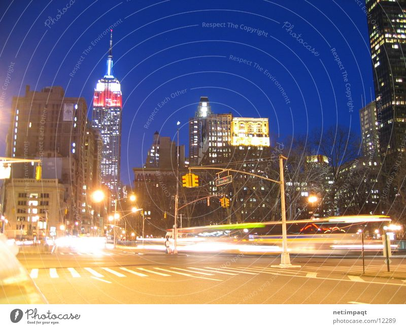 The Empire New York City Amerika Hochhaus Empire State Building Gebäude Manhattan USA Nacht Stadt Belichtung Lampe Nordamerika Skyline Leben