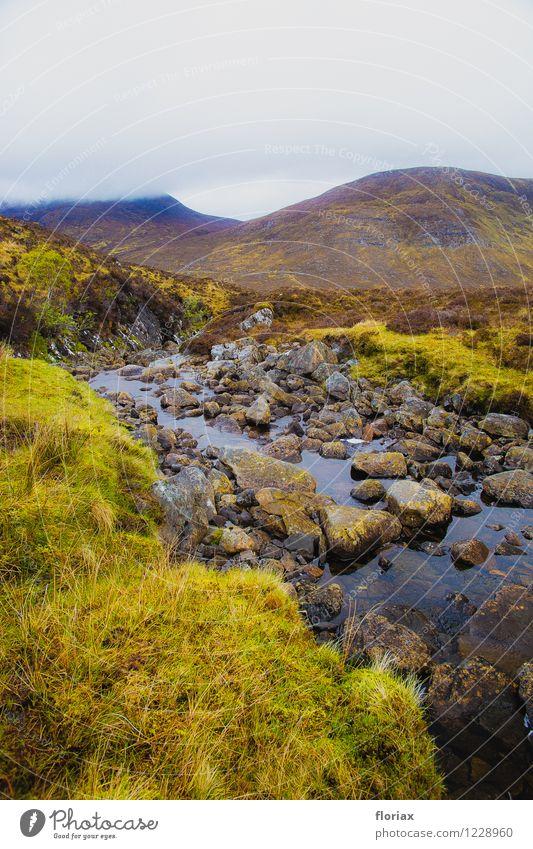 Highlands 4/5 Himmel Natur Pflanze grün Wasser Landschaft Umwelt Berge u. Gebirge Gefühle grau braun Wetter Luft Nebel Erde wandern
