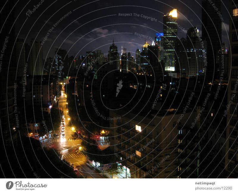 Flat@Shanghai Stadt Nacht China Hochhaus Wolken Straßenbeleuchtung Asien Erfolg Beleuchtung