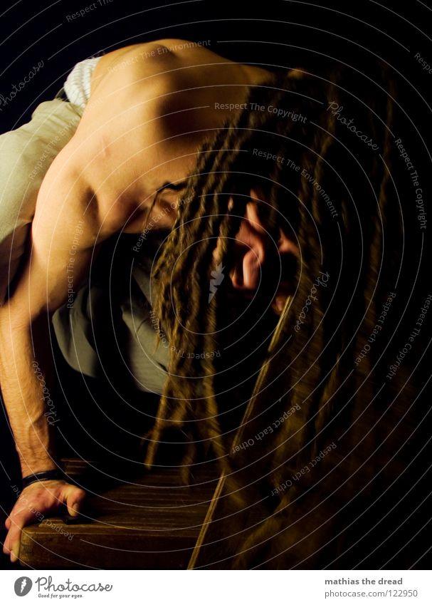 Sport Mensch Mann Freude schwarz dunkel Spielen Gefühle Holz Haare & Frisuren Kopf Denken lustig hell Gesundheit Zufriedenheit Kraft