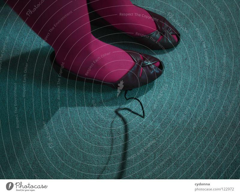 Somebody's been walking in my Shoes Schuhe Strumpfhose Teppich Auslöser Vogelperspektive rosa türkis Stil Pornographie retro Bekleidung stehen Generation schick
