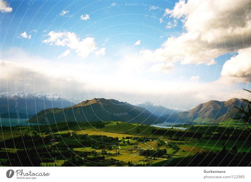 Naturgemälde 2 Neuseeland grün Gras See Baum Wald Gipfel Horizont Wolken Farbkasten Gemälde Berge u. Gebirge schön Bruchstück Landschaft Niveau Tal Schnee