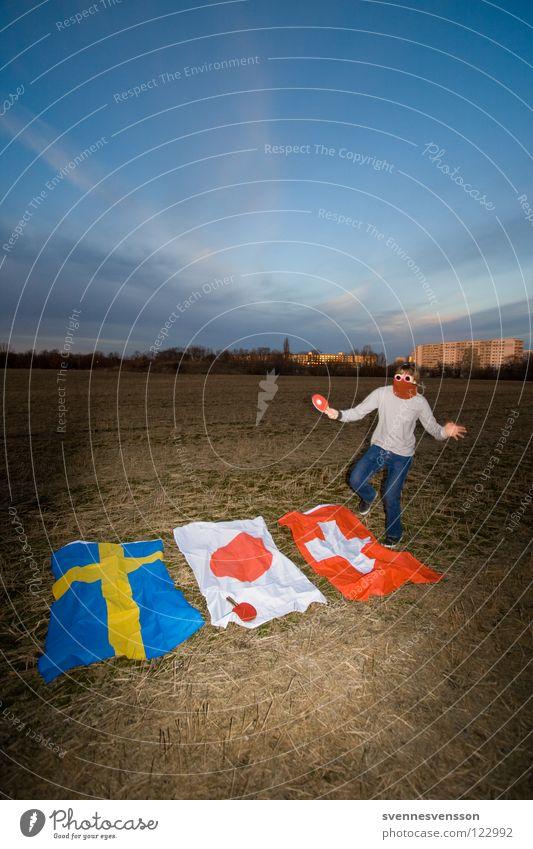 Dreiländerkampf Spielen Bewegung springen Aktion Fahne Maske Schweiz Japan anstrengen Sportveranstaltung Schweden Sportler verkleiden Kämpfer Tischtennis