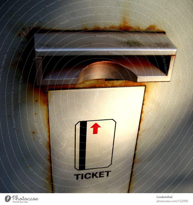 TICKET Park Eingang parken Parkhaus Straßennamenschild Fahrkarte Parkschein