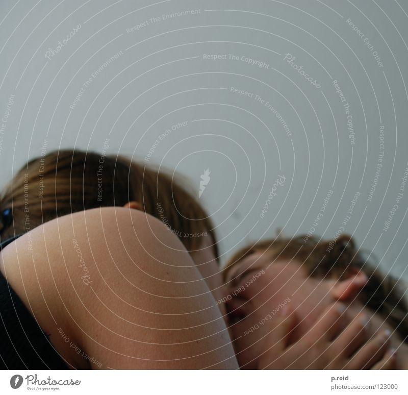 + Küssen Partnerschaft missbilligen Lust Zwang was Liebe Jugendliche Schmerz Paar suffer agony Gleichgültigkeit kiss beißen bite sich das neckt Traurigkeit