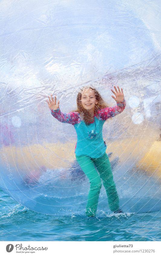 Meine Welt - Deine Welt Mensch Kind Sommer Wasser Freude Mädchen Ferne Leben Bewegung Spielen Glück lachen Kindheit frei Fröhlichkeit Lächeln